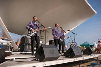 Sixties Retro on the DLWP Stage - 1 (thumbnail)